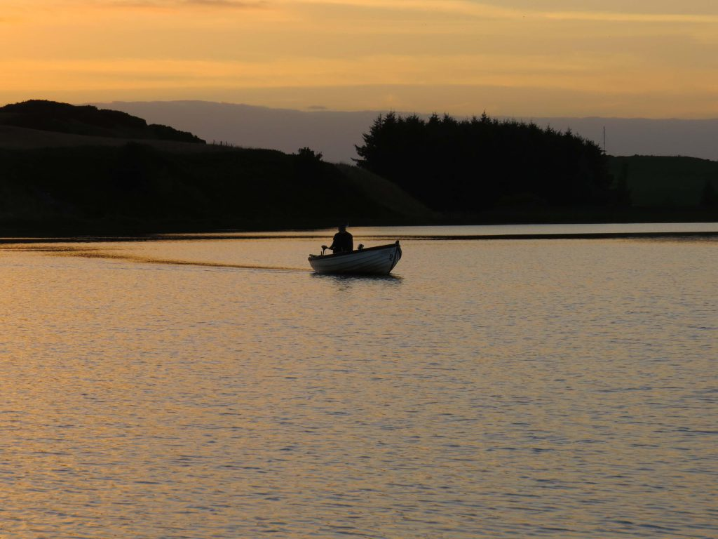 A late evening on the loch_0